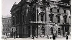 Nemzeti Színház az ostrom után. Budapest, 1945.