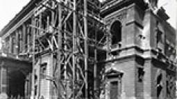 Az Operaház épülete 1945 tavaszán