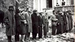 A Maros utcai kórház udvarán, tettesek és áldozataik
